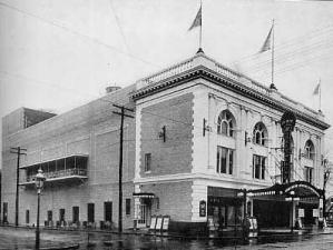 3av-bayridge-theater