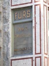 18-34-furs_