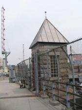 64-gatehouse