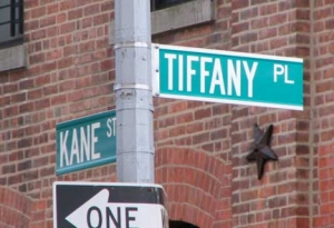 09-tiffany-sign_