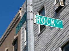 32-rock_-sign_