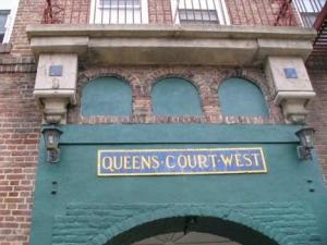 queens-court_