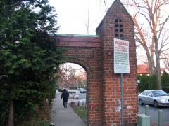 07-gatepost