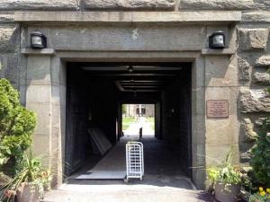 12-fort-schuyler-entrance
