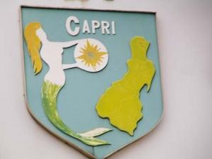84-cafe_-capri_