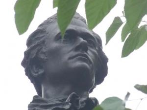 11-hamilton-statue