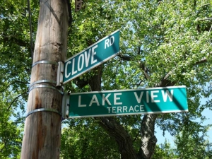 42-lakeview-sign_