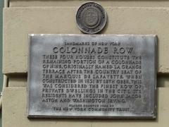 07b-colonnade