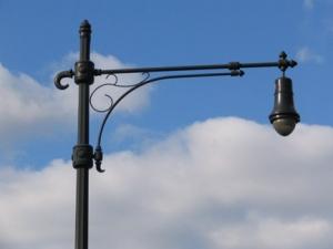 11-manhattanbridgelamp
