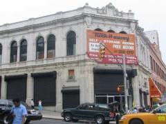 80-135-theater
