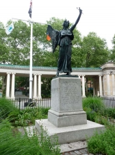 02-statue