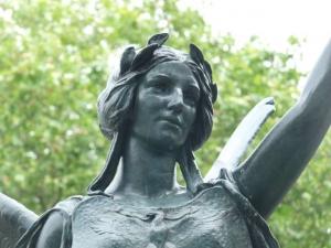 03-statue
