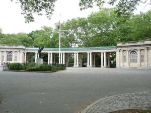 07-colonnade