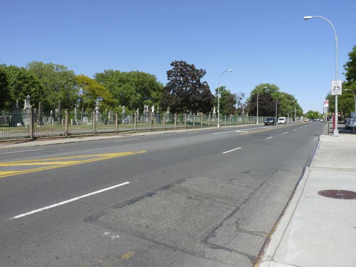 Metropolitan Avenue Gains A Couple Of Lanes When It Passes The Metro Mall Between 65th Place And Last Stop M Train