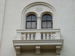 20-e180-ext_-balcony