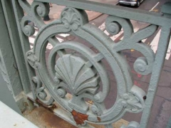 14-viaduct-fence_