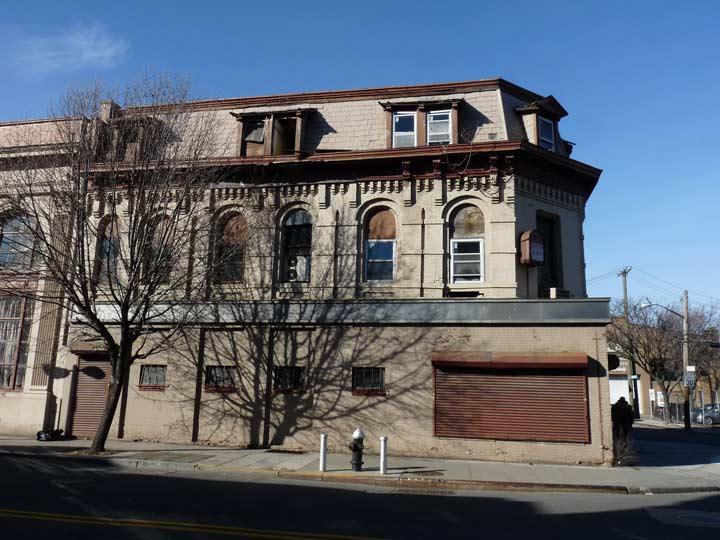Staten Island Port Richmond Avenue And Castleton Avenue