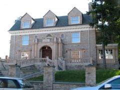 12-mansion
