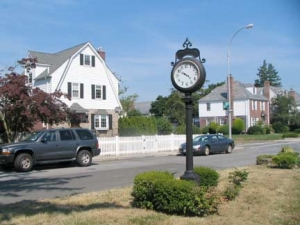 08-bayside-hills_-clock_