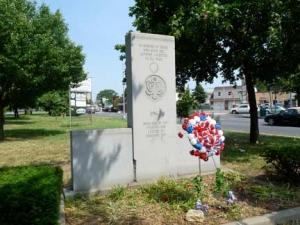 32-1962-memorial