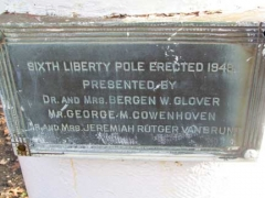 38-libertypole-sign_