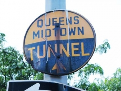 25-tunnel-sign_