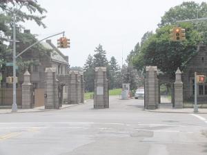 95-prospect-park_-west_-gate_