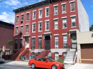 03a-brownstones