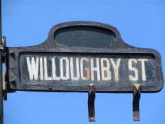 50-willoughby-sign_