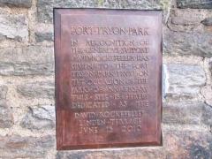 12-plaque2