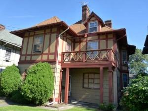 126-vanderbilt-cottage