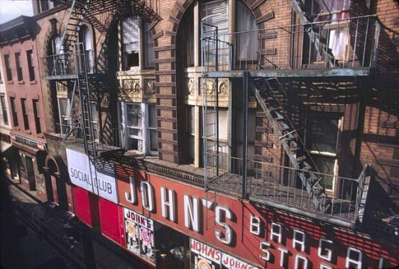 John's Bargain Stores NY http://forgotten-ny.com/2007/12/withering-myrtle-the-last-days-of-the-myrtle-avenue-el/