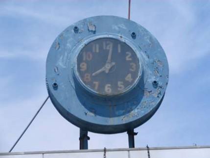 56.L.clock