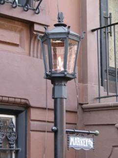 09.gaslight