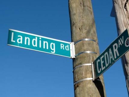 70.landing.road