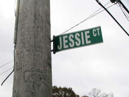 14.jessie.sign