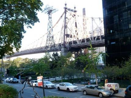89.tram.bridge