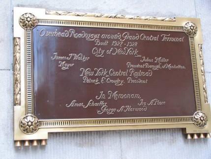 32.helmsley.plaque