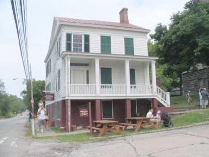 47.bennett.house