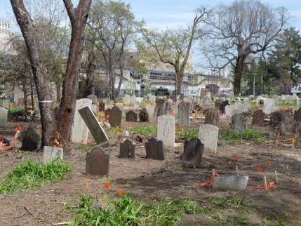 13.cemetery.chapel