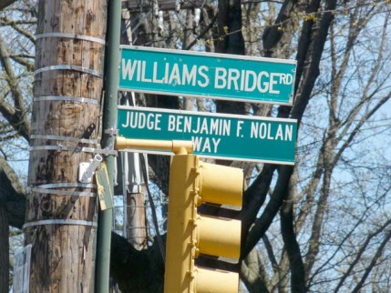43.williamsbridge.sign