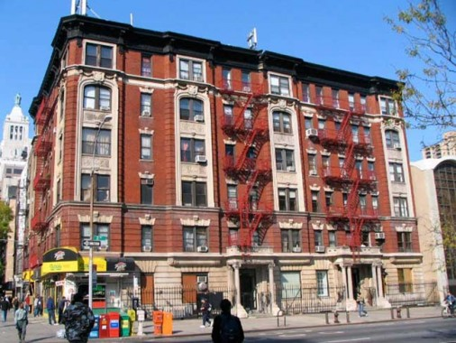 Etonnant Thereu0027s A Grand Old Apartment Building Over At 235 Second Avenue, On The  Northwest Corner Of East 14th Street Catercorner From NYC Eye U0026 Ear (where  Your ...