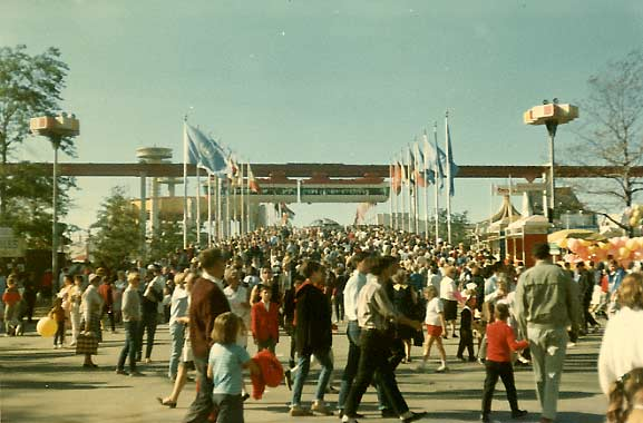 WORLD'S FAIR REMNANTS - Forgotten New York on