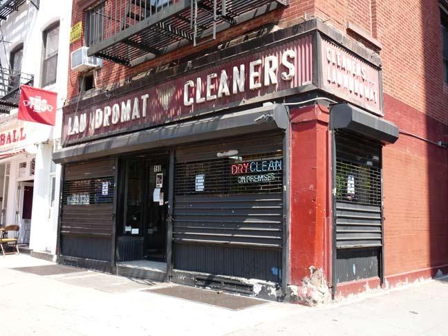 01.laundromat