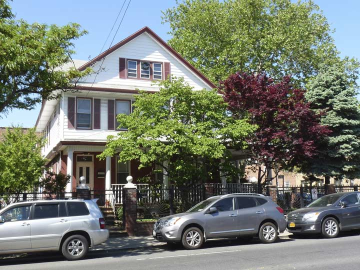 One Of The Only Freestanding Homes On This Stretch Metropolitan Avenue At 56th Street Opposite Himrod
