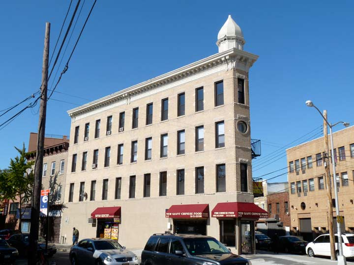 In 1889 L. Gally Established A Furniture Store And Built This Handsome  Four Story Brick Building In The Western U201cVu201d Formed By 27th Avenue And  Astoria ...